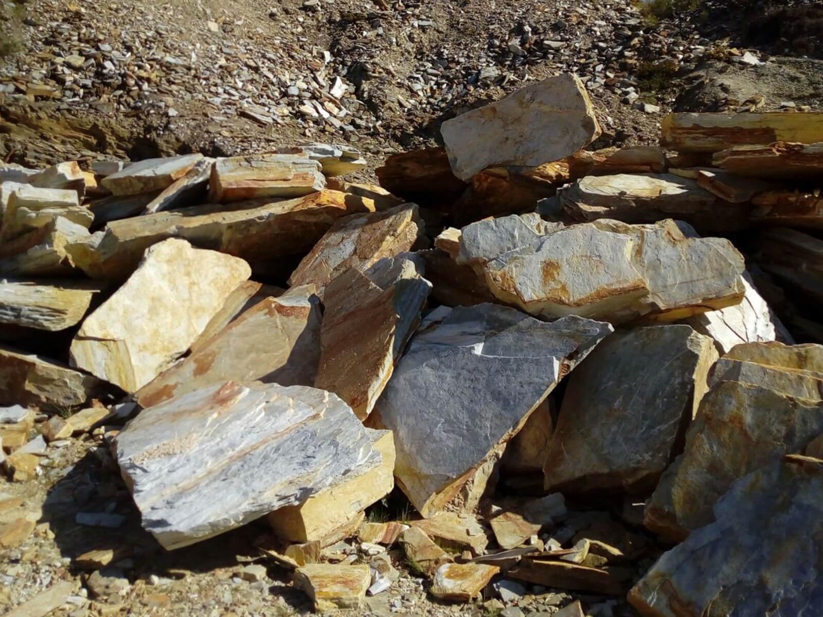 Escollera, piedra para muros de contención.